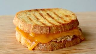 TUNA MELT RECIPE | How to make Cheesy Tuna Sandwich