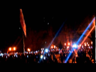 Вечерний гимн России в Луганске 08 04 2014