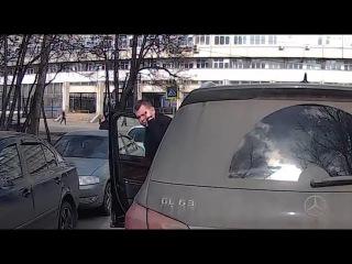 Мрази специально не пропускают  скорую 🚗🚑 Mrazes do not specifically miss the ambulance 🚗🚑 [Artem P]