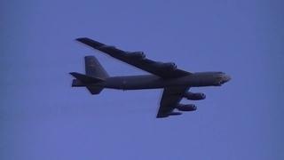 """Американцы """"нагло"""" """"имитрировали"""" бомбардировку баз в Крыму стратегическими бомбардировщиками B-52H"""