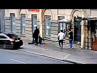 В Санкт-Петербурге произошло нападение на 41-летнего артиста балета Михайловского театра Дмитрия Ярмийчука.