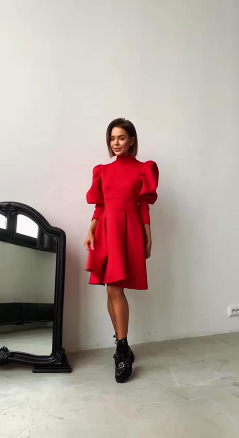 Бомбическое платье из неопрена