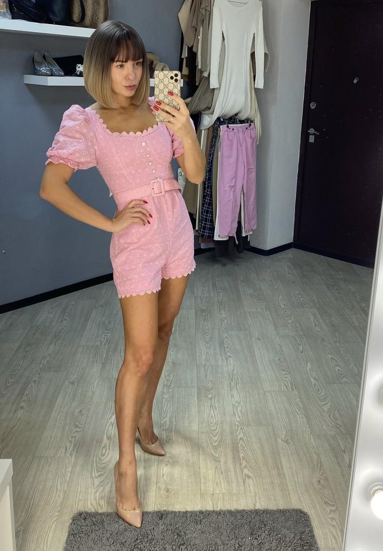 Розовый комбинезон от магазина FTLZZ Official Store.