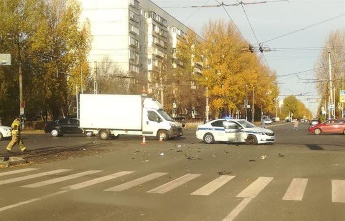 Правоохранители выясняют обстоятельства аварии с участием автомобиля ДПС https://ulpravda.ru/news/106