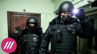 Обыски, аресты и попытка затопления штаба: как давят на сторонников Навального перед акцией